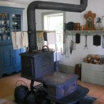 Aménager sa cuisine avec des meubles anciens et des astuces de rangement